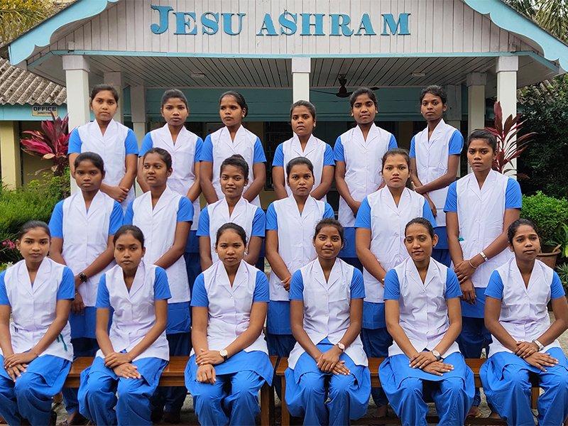 SoS India Jesu ASHRAM Educazione